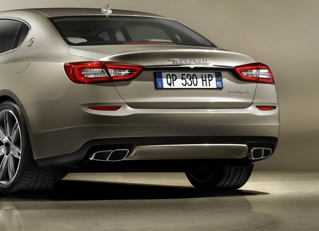 https://s1.cdn.autoevolution.com/images/news/gallery/new-maserati-quattroporte-revealed-ahead-of-2013-detroit_4.jpg