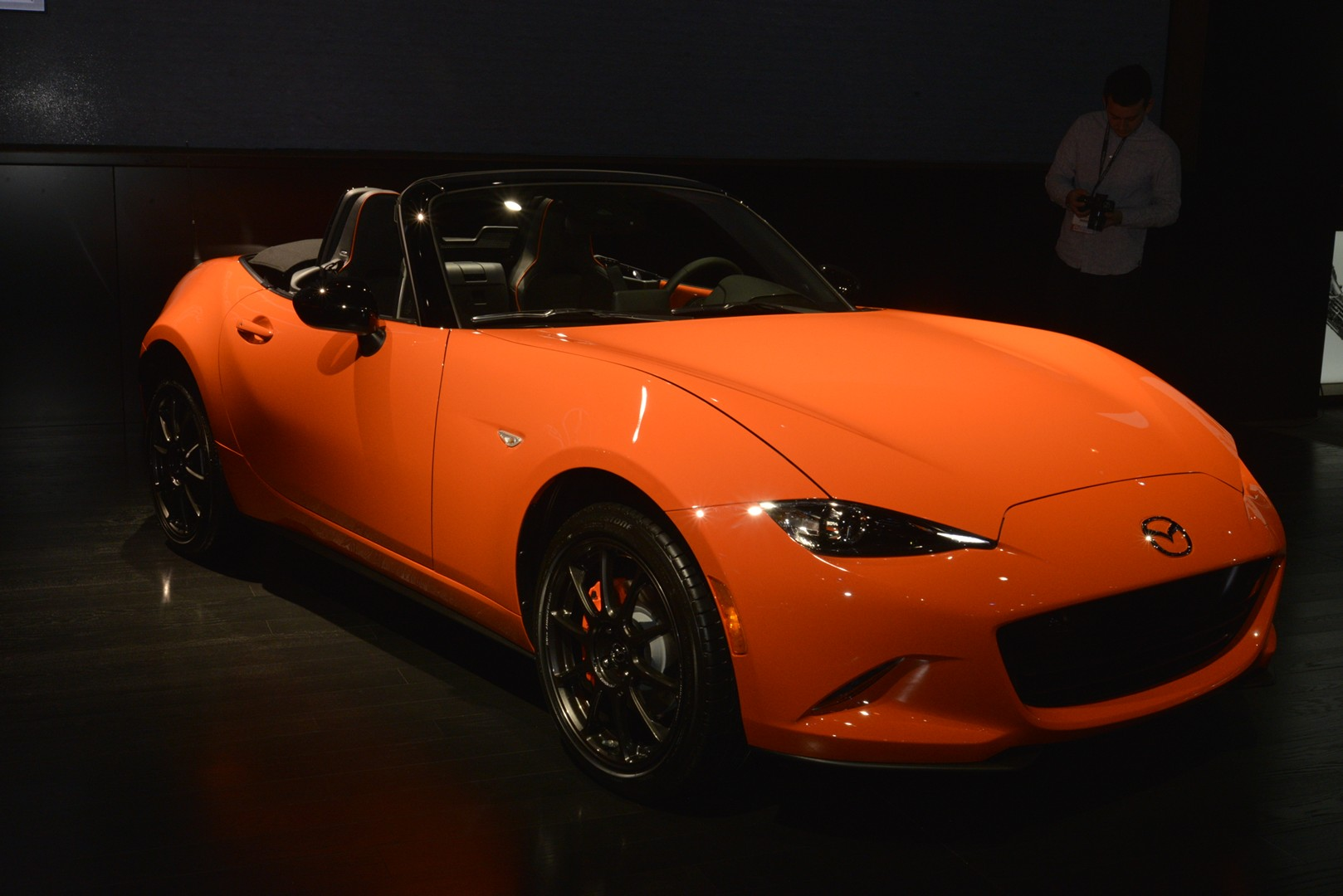 New Mazda Mx 5 30th Anniversary Edition Shows Orange Paint