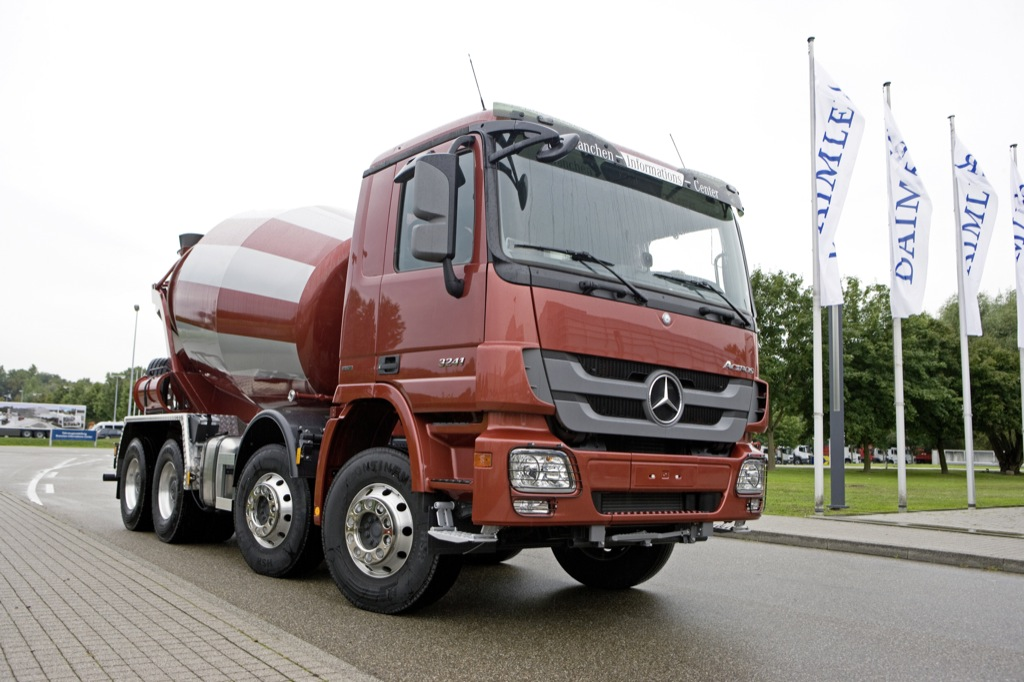 Cat 797 vs mercedes actros - Bnb coin how does it work up