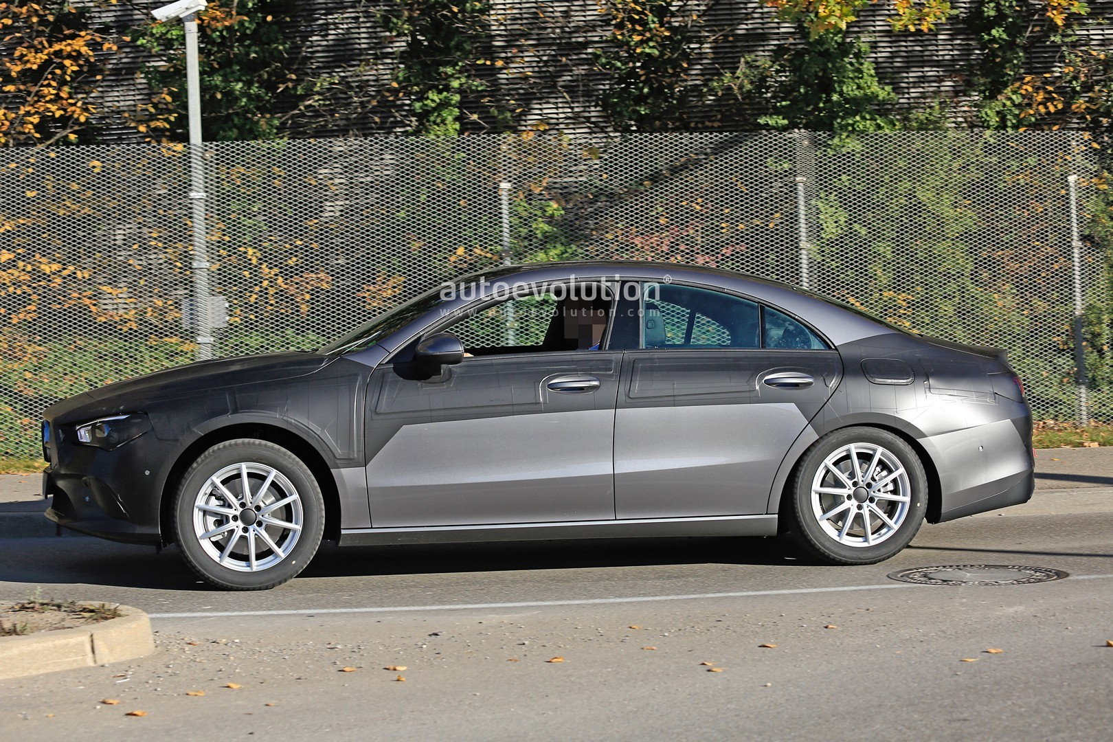 2020 mercedes benz cla class nearly revealed by latest spyshots autoevolution. Black Bedroom Furniture Sets. Home Design Ideas