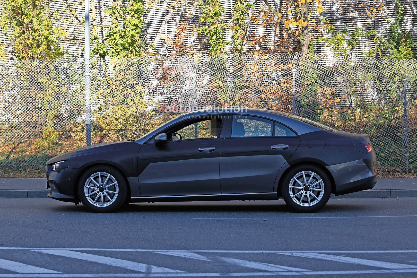 2019 - [Mercedes-Benz] CLA II - Page 4 New-mercedes-benz-cla-class-nearly-revealed-by-latest-spyshots_6