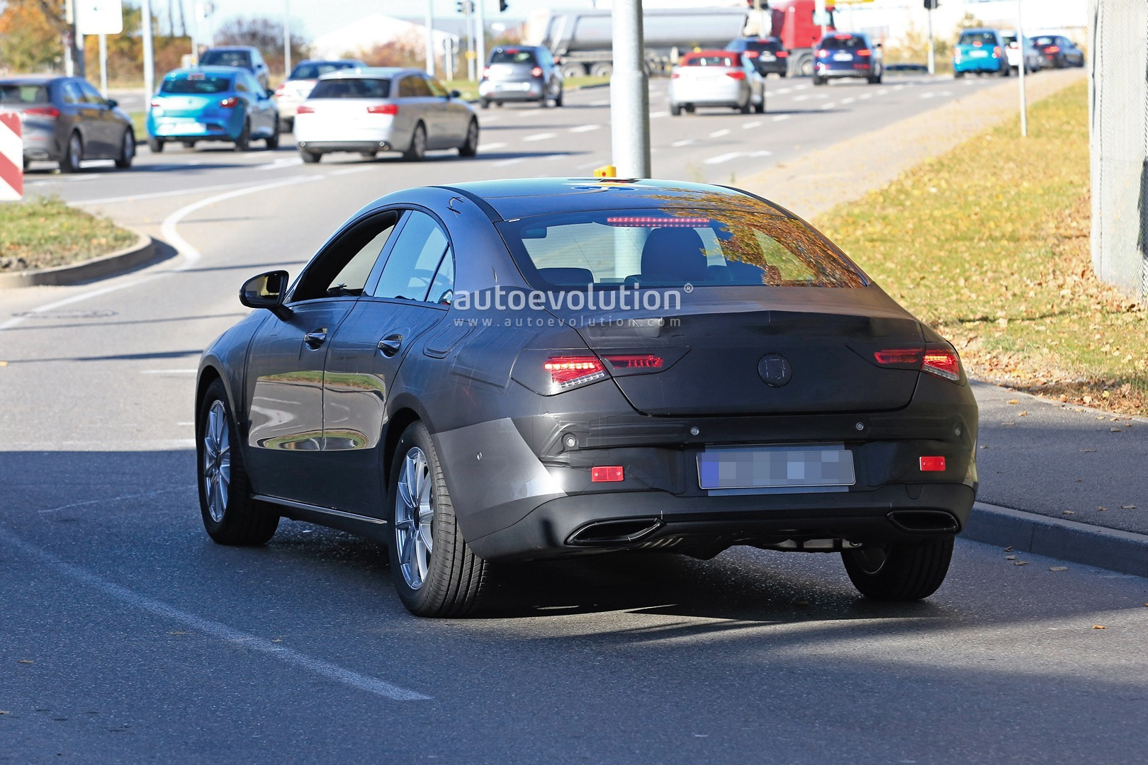 2019 - [Mercedes-Benz] CLA II - Page 4 New-mercedes-benz-cla-class-nearly-revealed-by-latest-spyshots_8