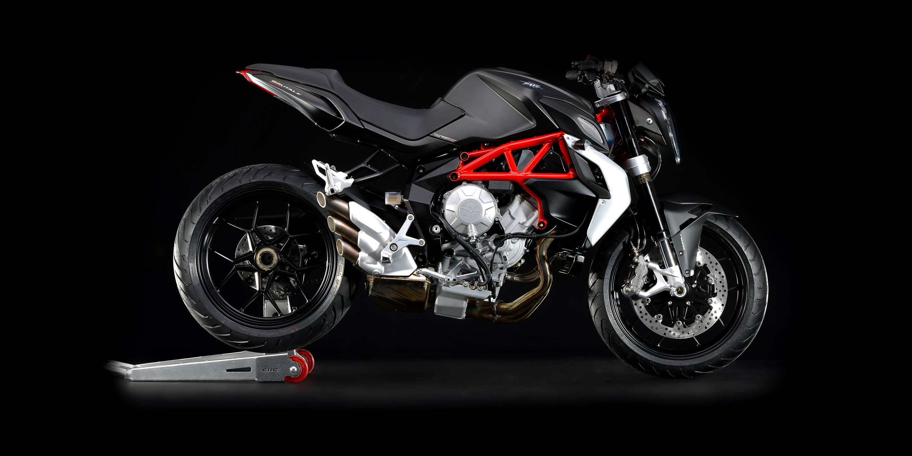 new mv agusta brutale 675 expected this year autoevolution. Black Bedroom Furniture Sets. Home Design Ideas