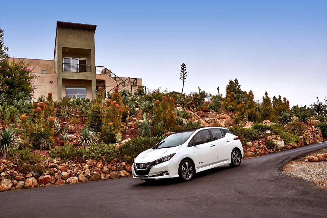 new nissan leaf e-plus 60 kwh could debut at 2019 consumer electronics show