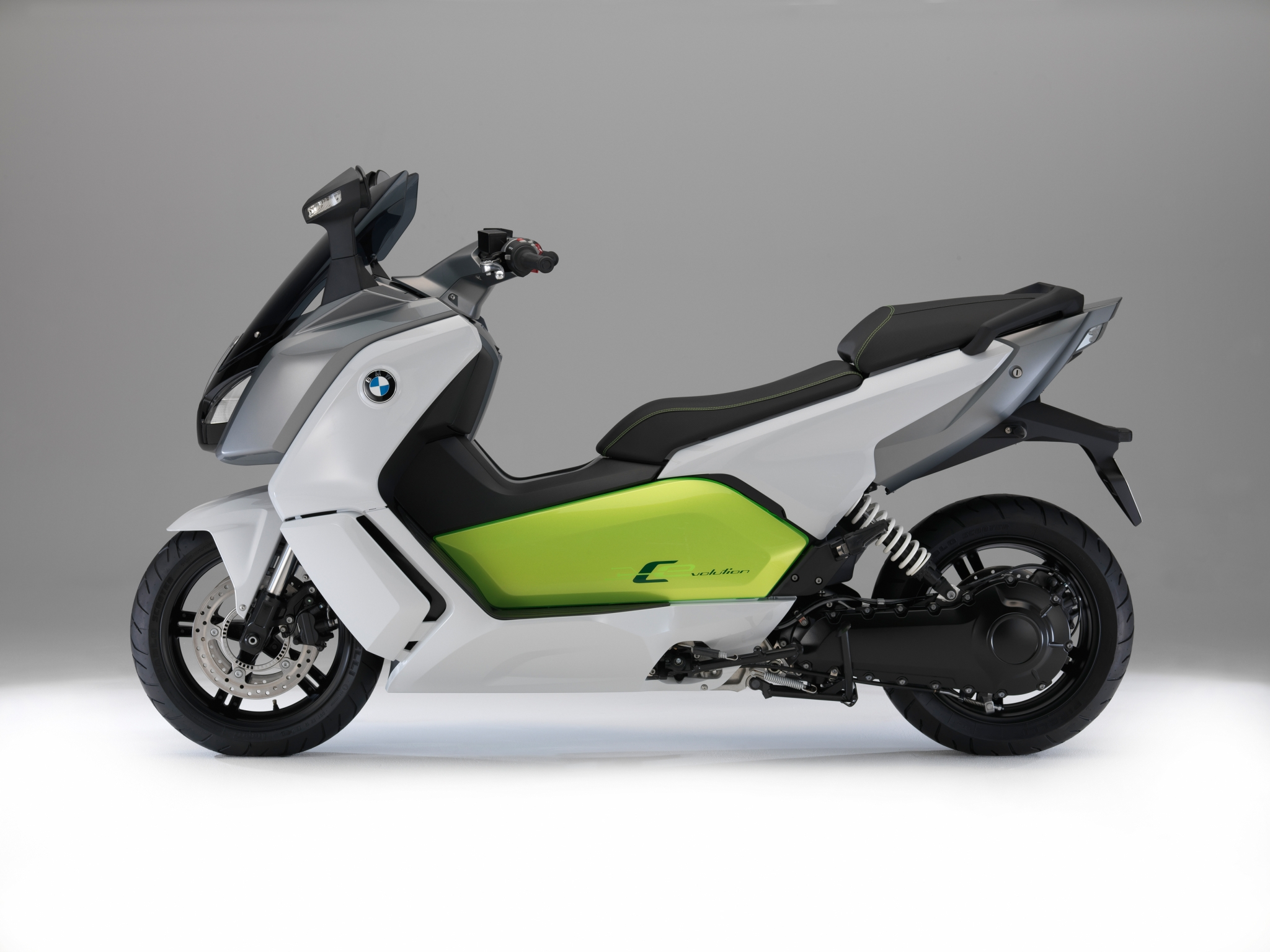 new pics of the bmw c evolution e scooter tech details. Black Bedroom Furniture Sets. Home Design Ideas