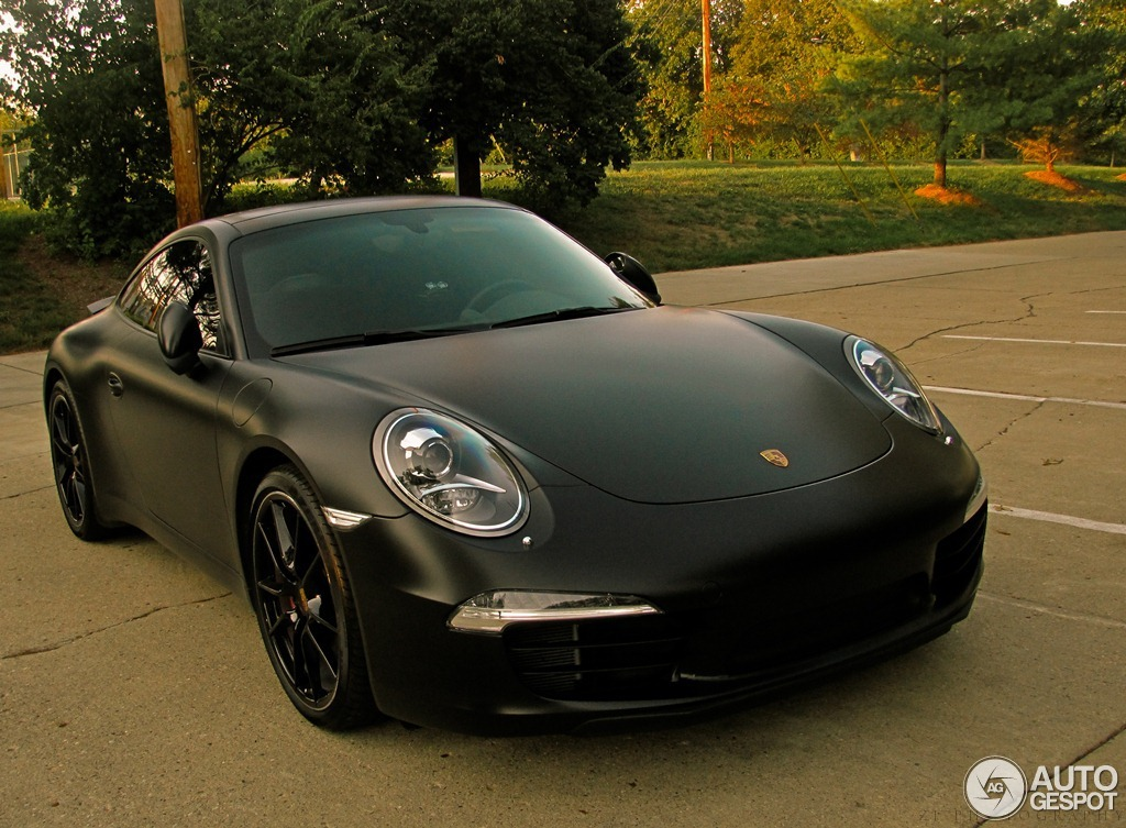 New Porsche 911 Carrera S Shows Off Its Curves in Matte ...