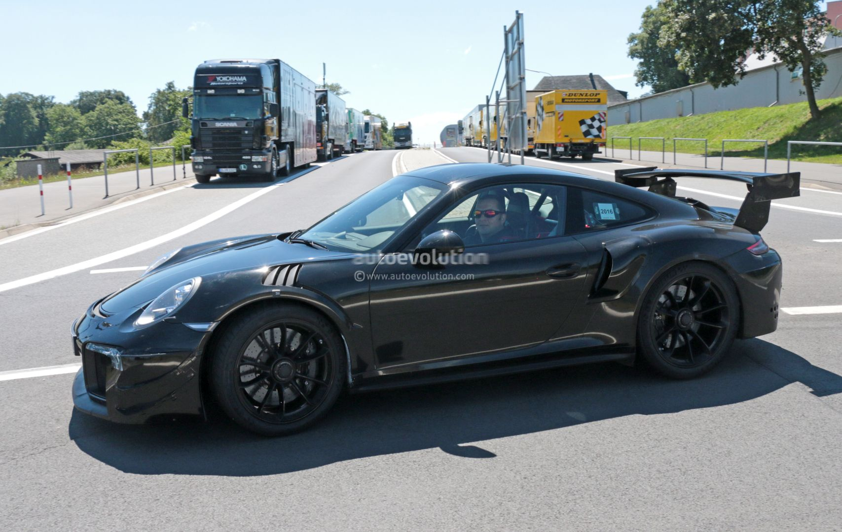 New Porsche 911 Gt2 Gt2 Rs Spied With Racecar Aero Expect Monstrous Ring Time Autoevolution