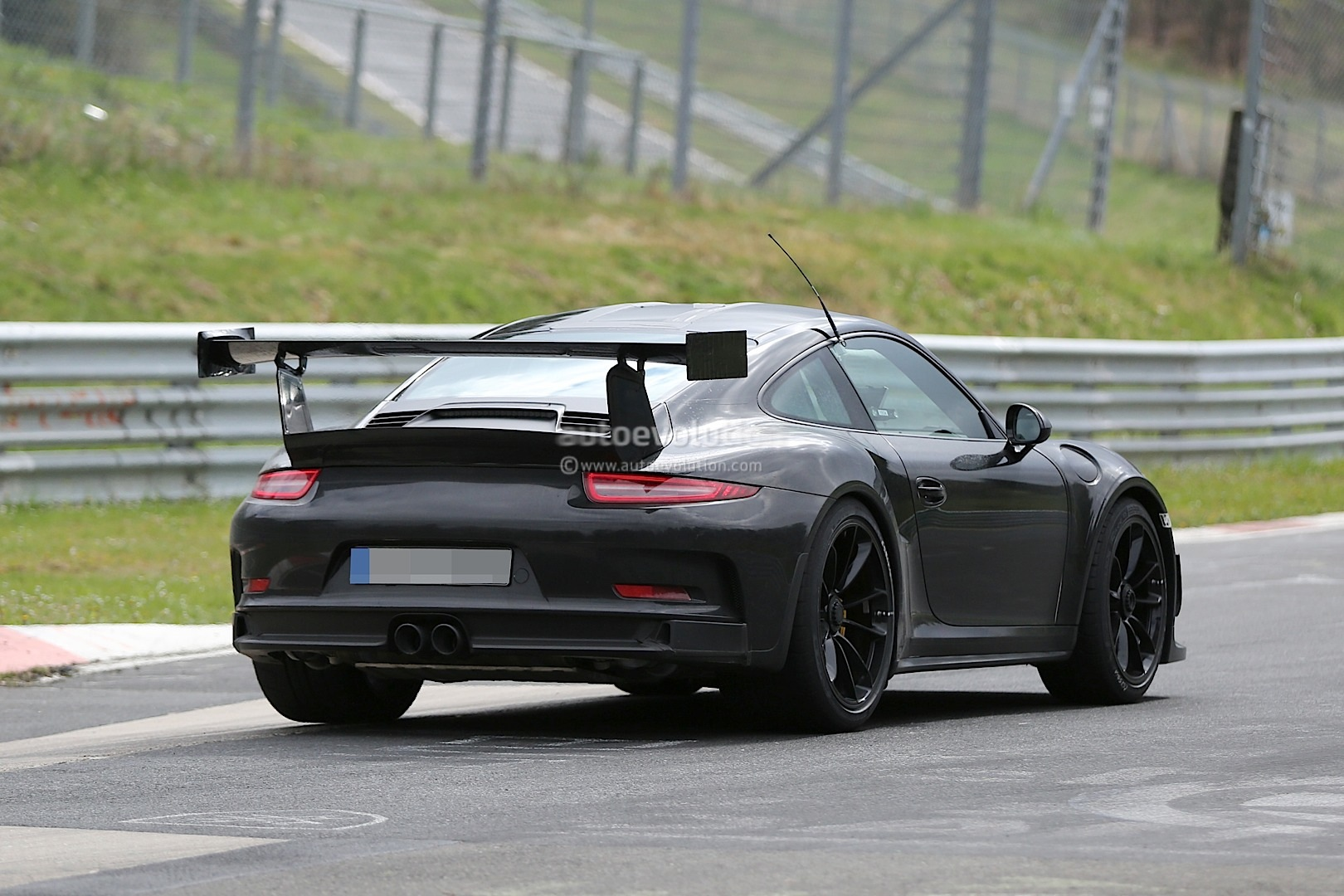 New Porsche 911 GT2 Spied Lapping the Nurburgring ...