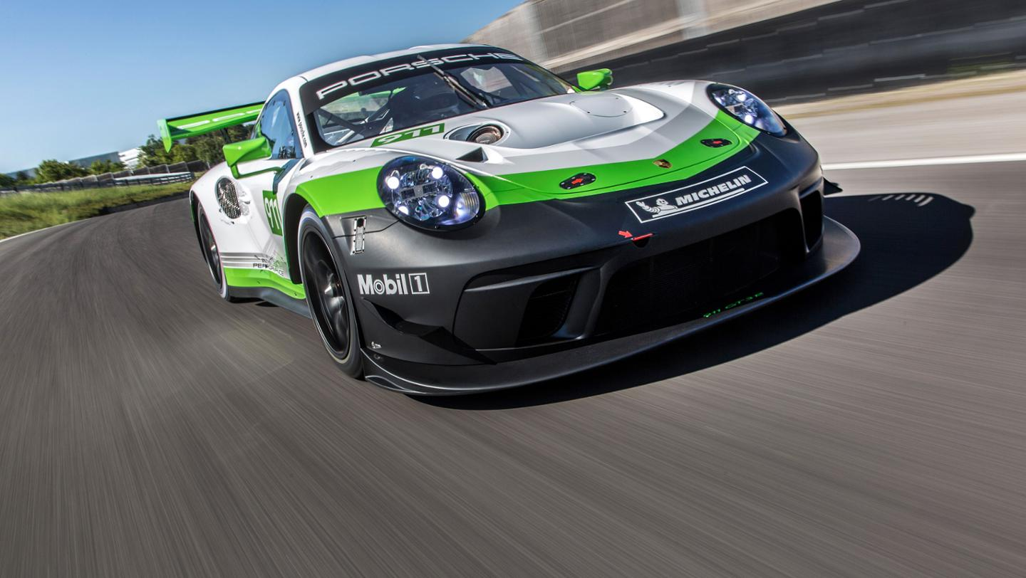 new porsche 911 gt3 r is a gt3 rs customer racecar with 550 hp air conditioning autoevolution. Black Bedroom Furniture Sets. Home Design Ideas