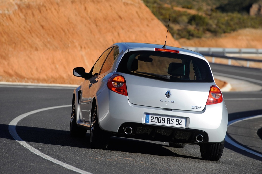 new renault clio clio rs prices released autoevolution. Black Bedroom Furniture Sets. Home Design Ideas