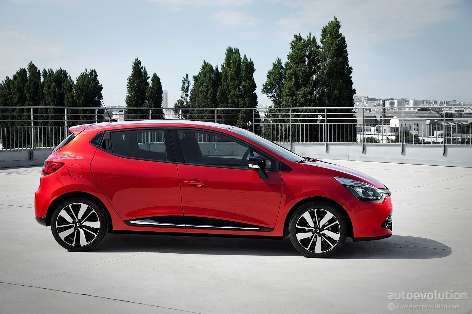 new renault clio officially revealed