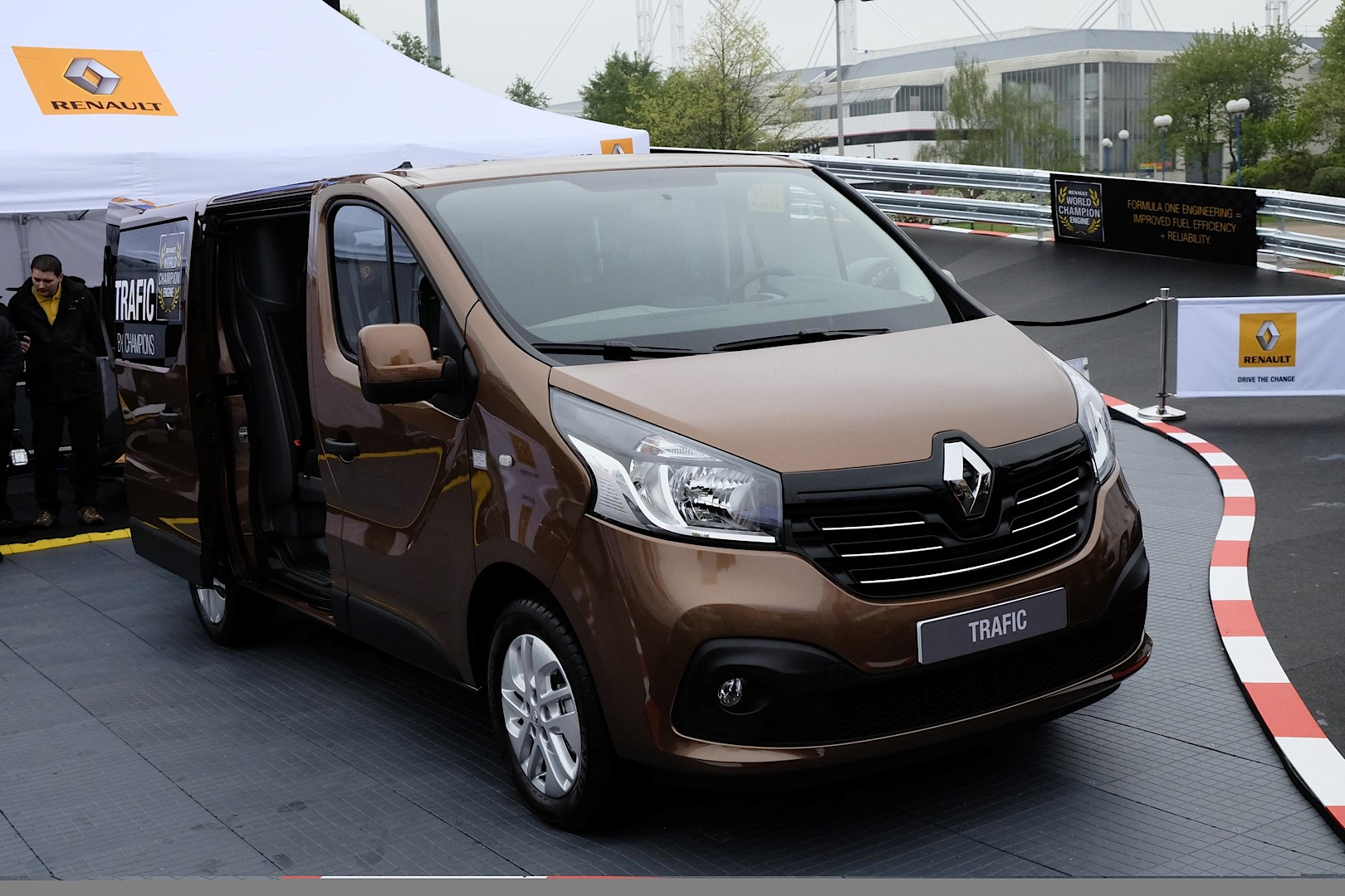2014 renault opel fiat nissan trafic vivaro talento nv300 page 6. Black Bedroom Furniture Sets. Home Design Ideas