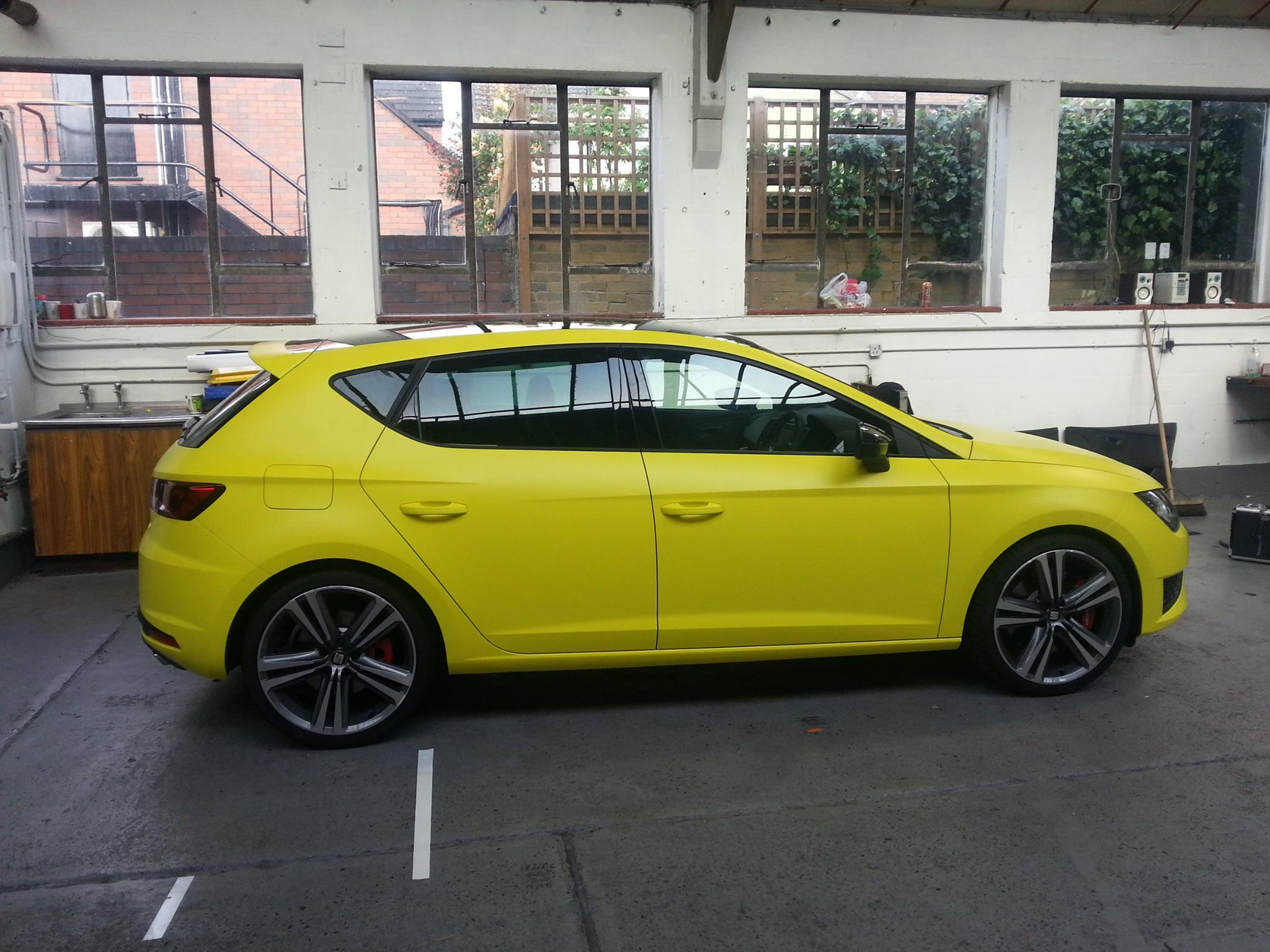 new seat leon cupra wrapped in matte neon yellow and. Black Bedroom Furniture Sets. Home Design Ideas