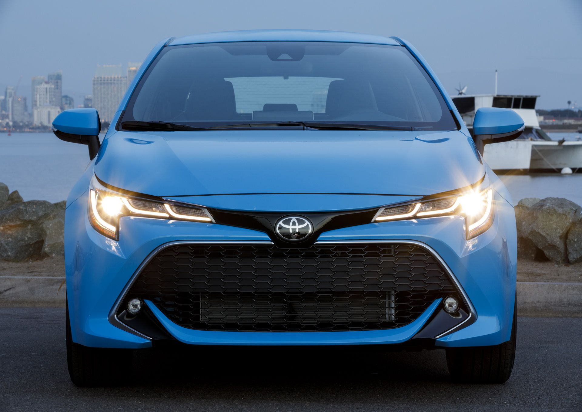 new toyota auris renamed 2019 toyota corolla hatchback. Black Bedroom Furniture Sets. Home Design Ideas