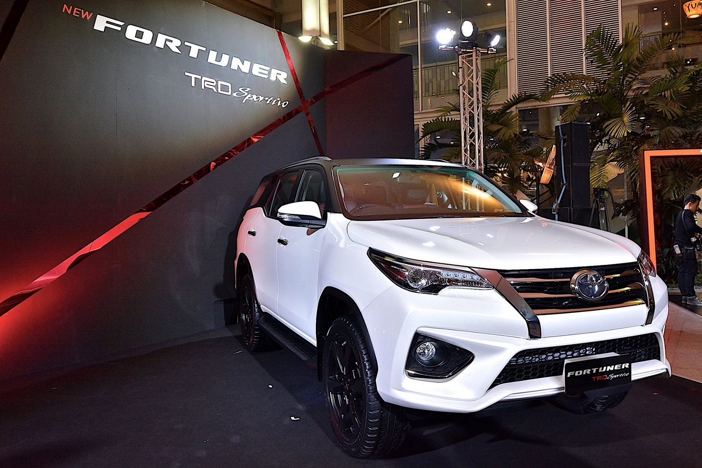 New Toyota Fortuner Trd Sportivo Is A Hilux Suv With Attitude