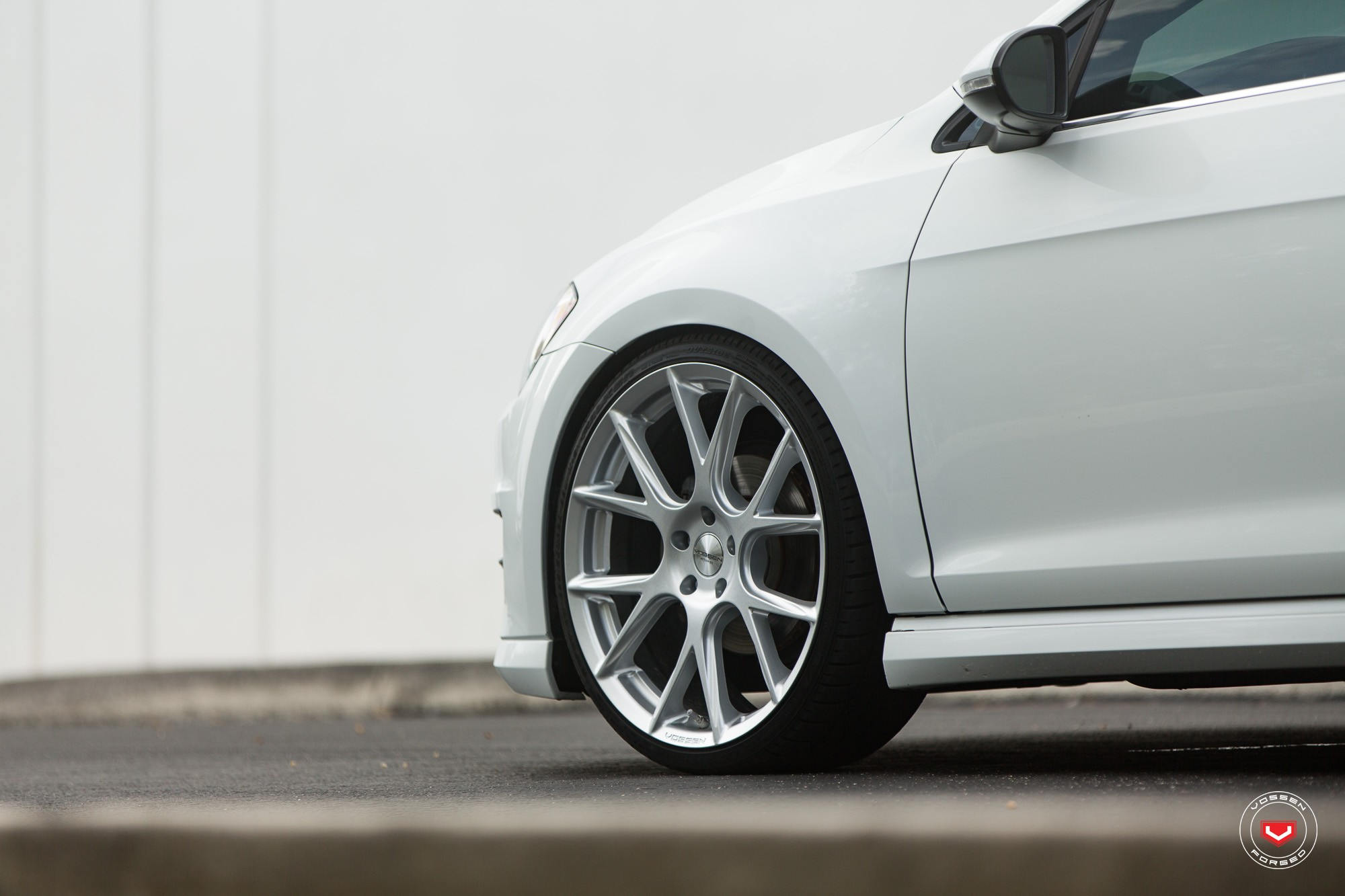 New Volkswagen Golf Sportwagen Gets Vossen Wheels