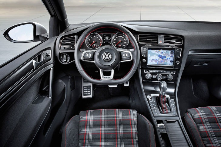 new volkswagen golf vii gti first photos autoevolution. Black Bedroom Furniture Sets. Home Design Ideas