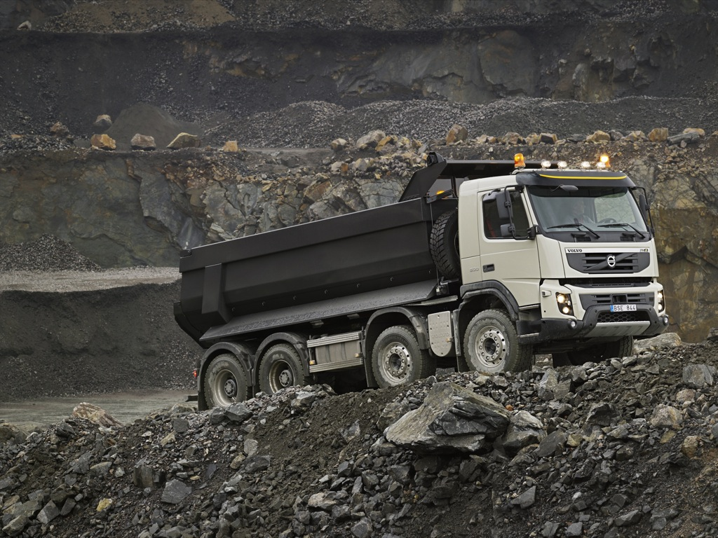 New Volvo Fmx Truck Details And Photos Released on Green Dodge Truck