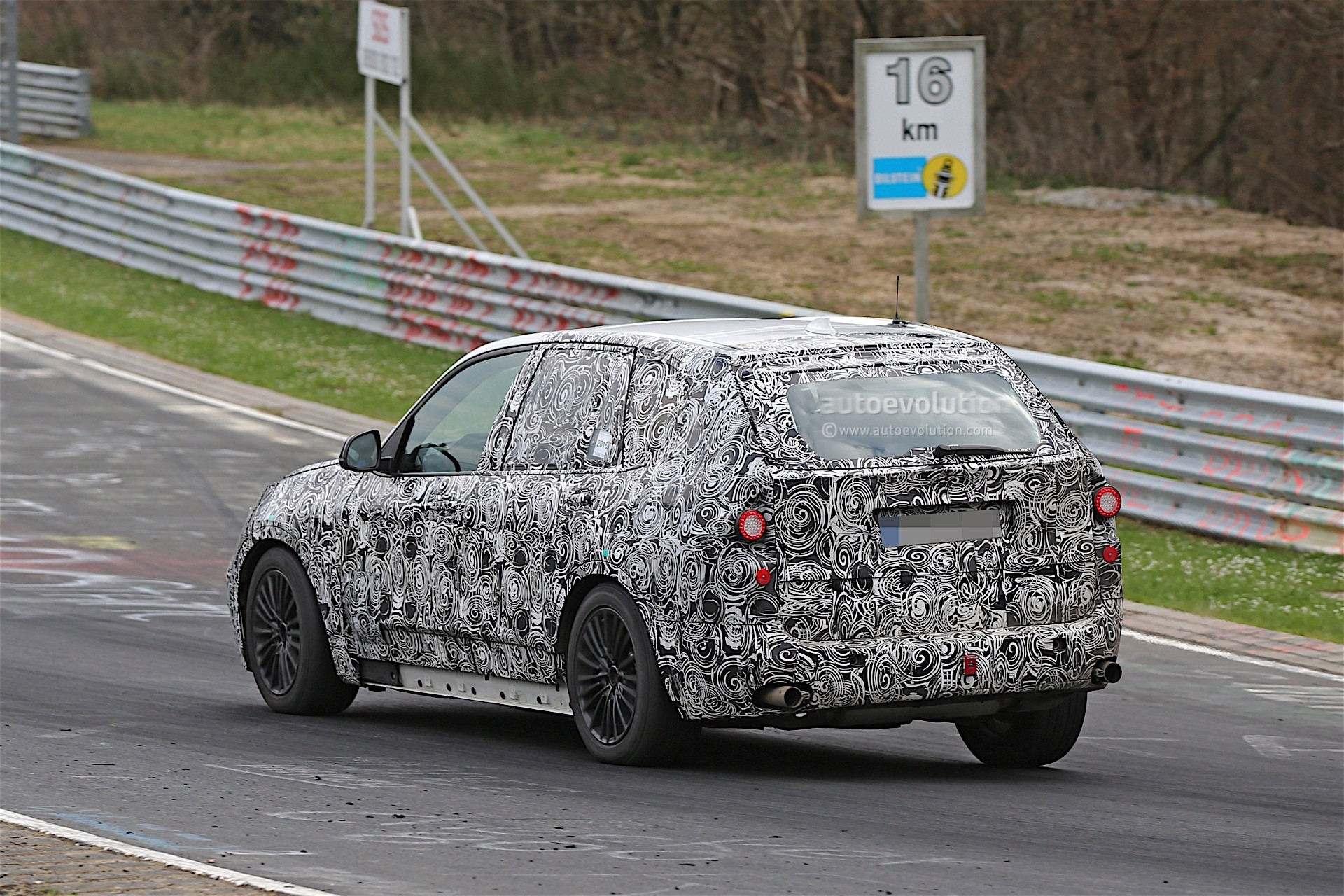 next-gen-2​019-bmw-x5​-laps-nurb​urgring-lo​oks-less-n​ose-heavy-​than-curre​nt-model_8
