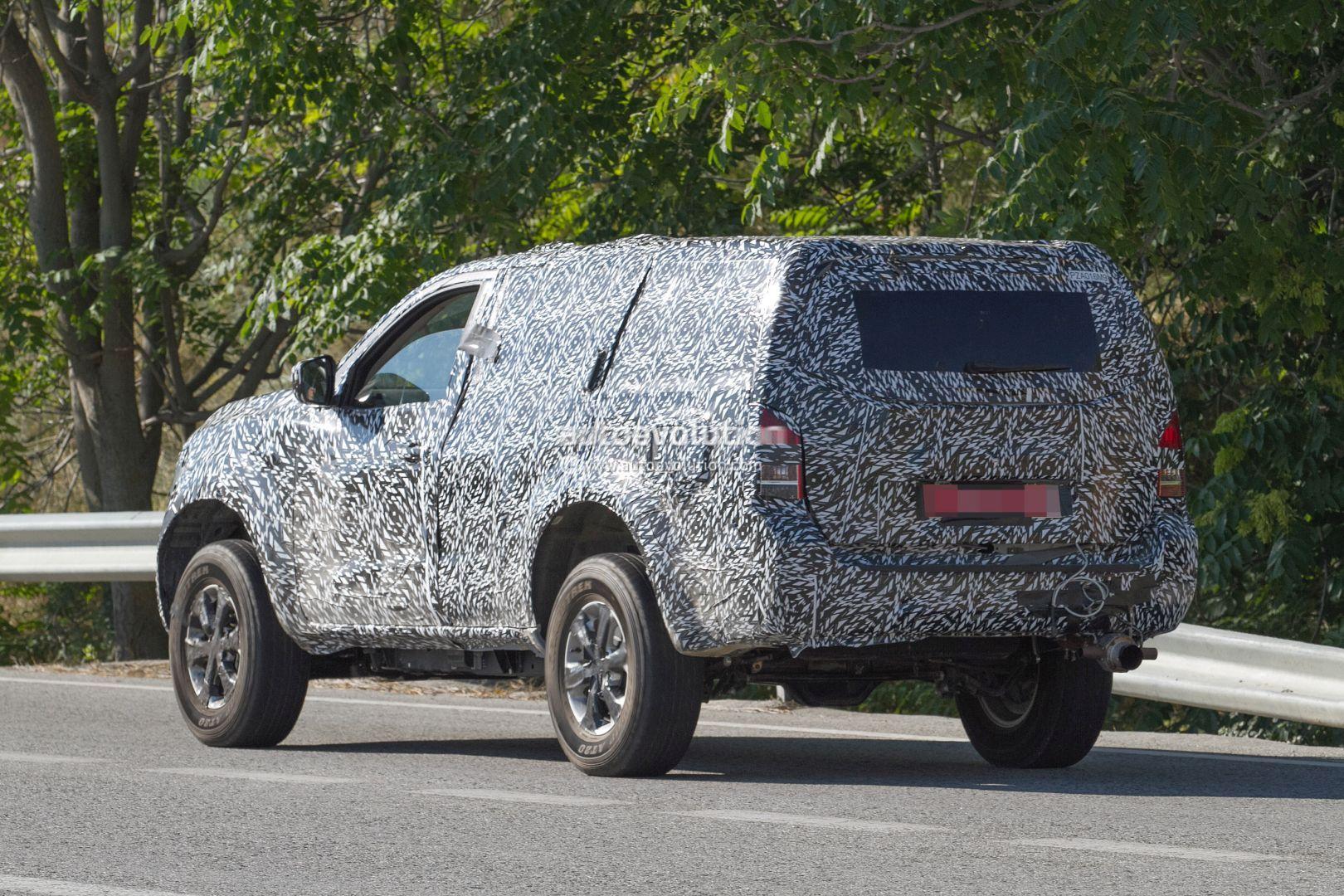 Next Gen Nissan Pathfinder Spied Shows Radical Front End Design Change