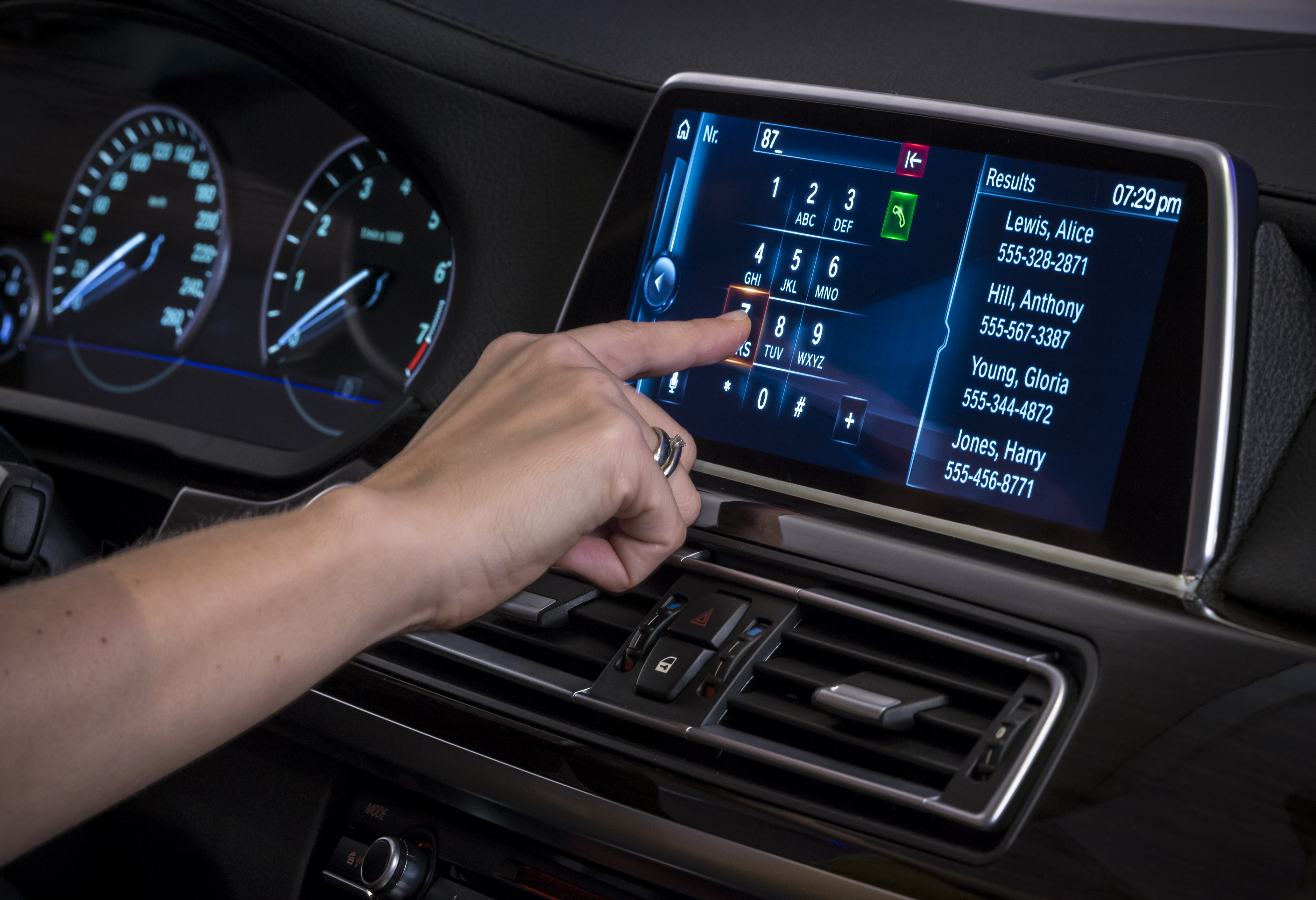 Next Gen Idrive With Gesture Control And Touchscreen