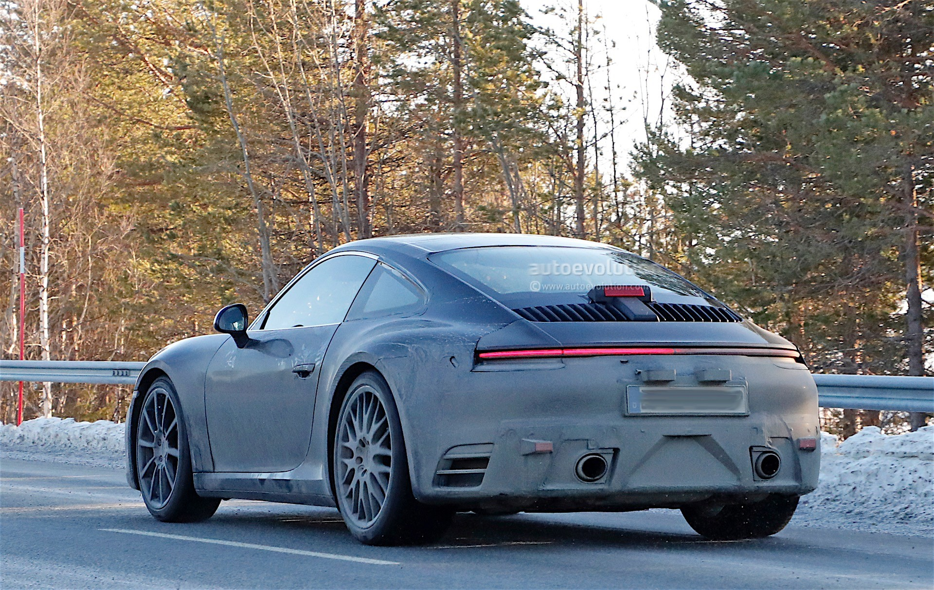 Next Generation 2019 Porsche 911 Spotted With Its Spoiler