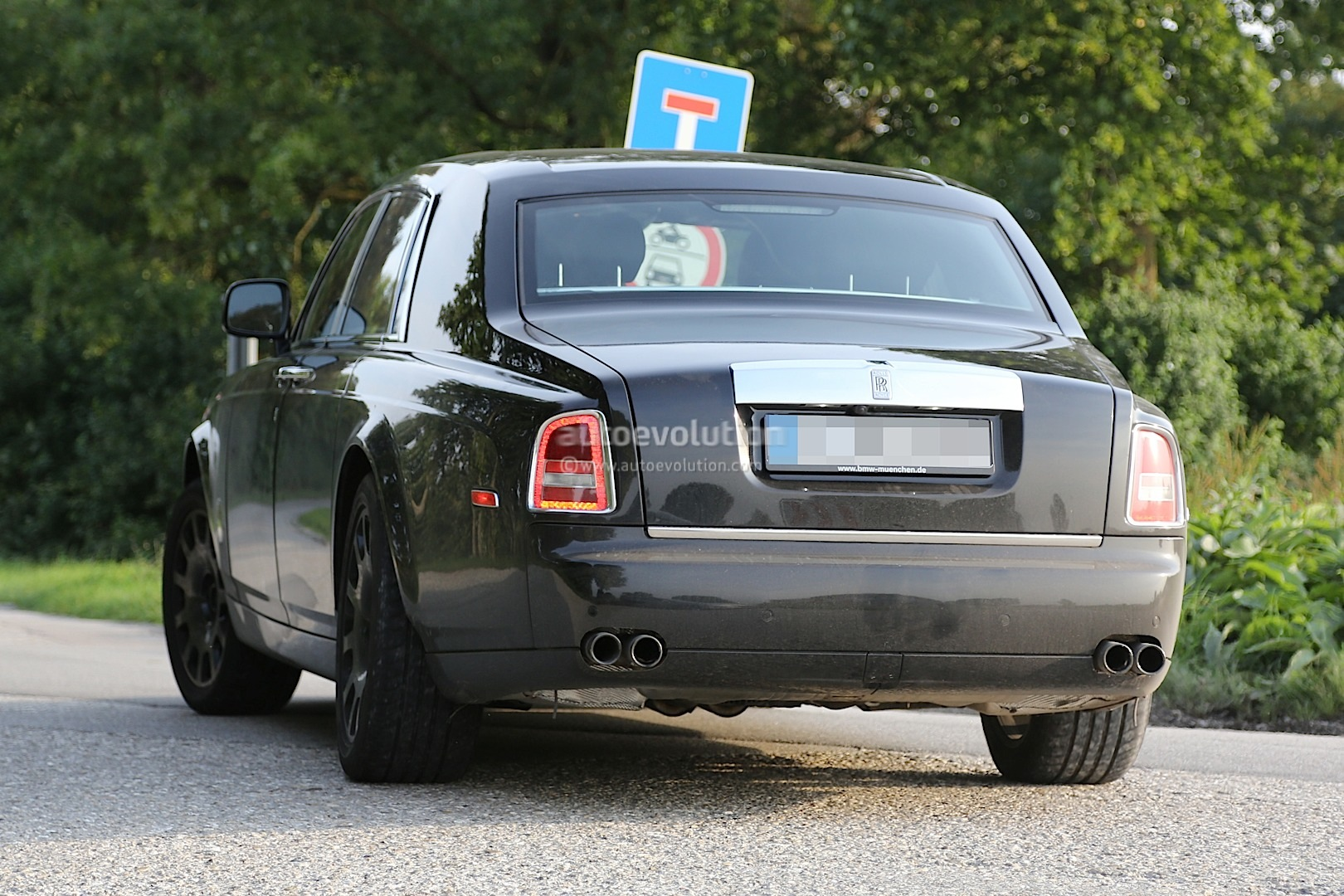 Next Generation Rolls Royce Phantom Interior Spied For The
