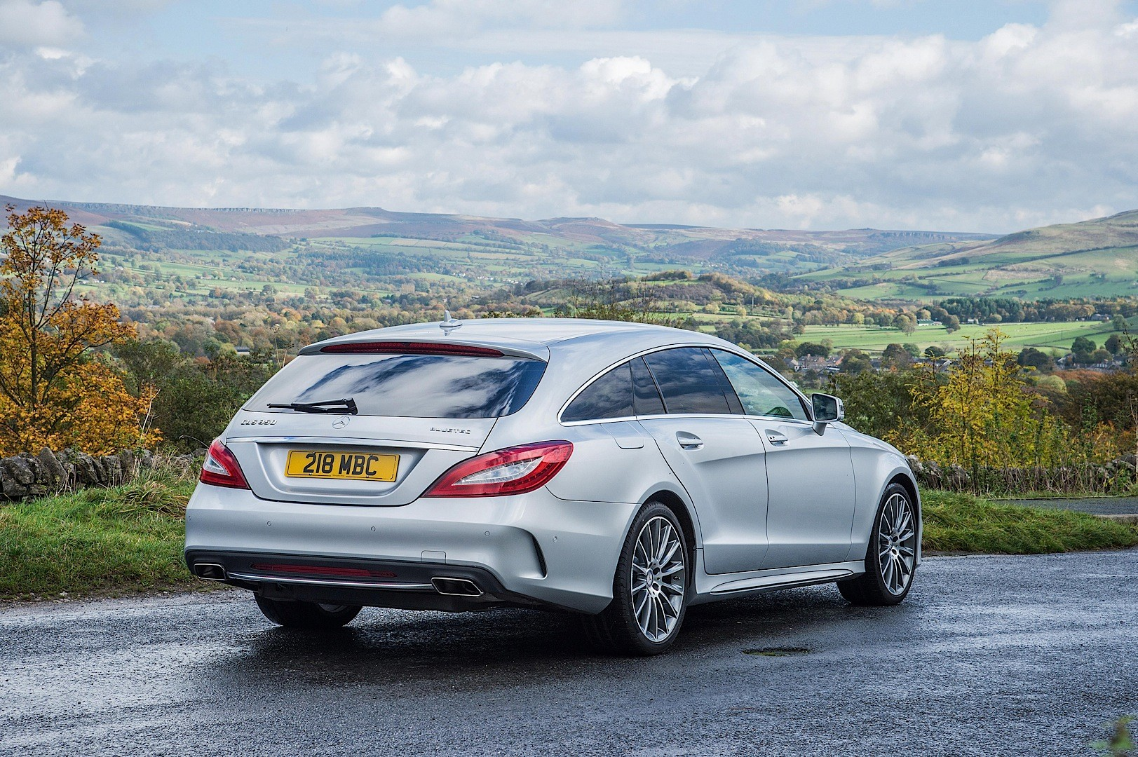 next mercedes cls arriving in 2018 without quirky shooting brake version autoevolution. Black Bedroom Furniture Sets. Home Design Ideas