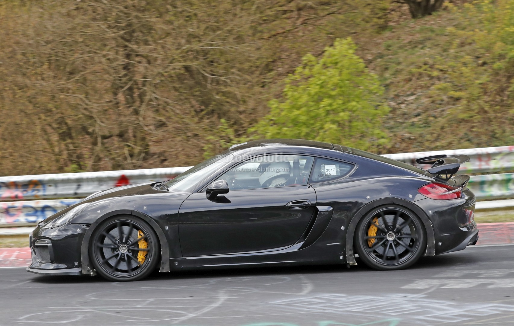 2019 Porsche Cayman Gt4 >> Next Porsche Cayman GT4 Spied on Nurburgring, Prototype May Pack 2018 GT3 Motor - autoevolution