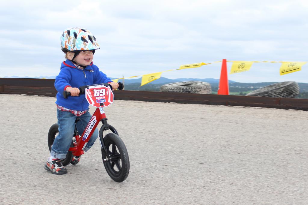 The official site of Moto GP Racer Nicky Hayden #69 ...