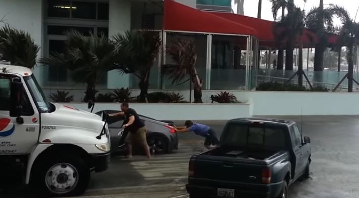 Nissan 370Z Driver Hydrolocks Engine Going through Miami