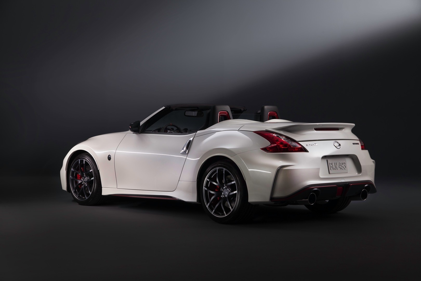 nissan 370z nismo roadster concept launched at 2015 chicago auto