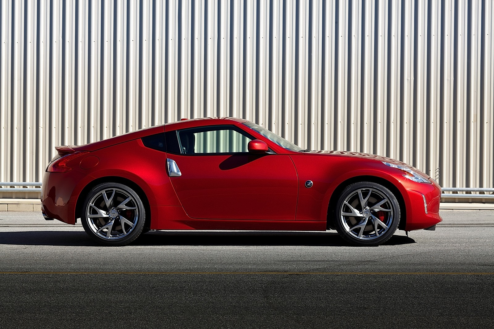 2015 Nissan Maxima For Sale >> Nissan 370Z Updated for 2013 Model Year - autoevolution