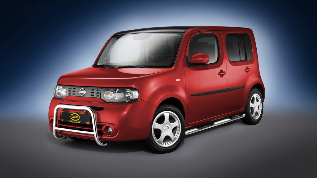 nissan cube bitten by cobra n autoevolution. Black Bedroom Furniture Sets. Home Design Ideas