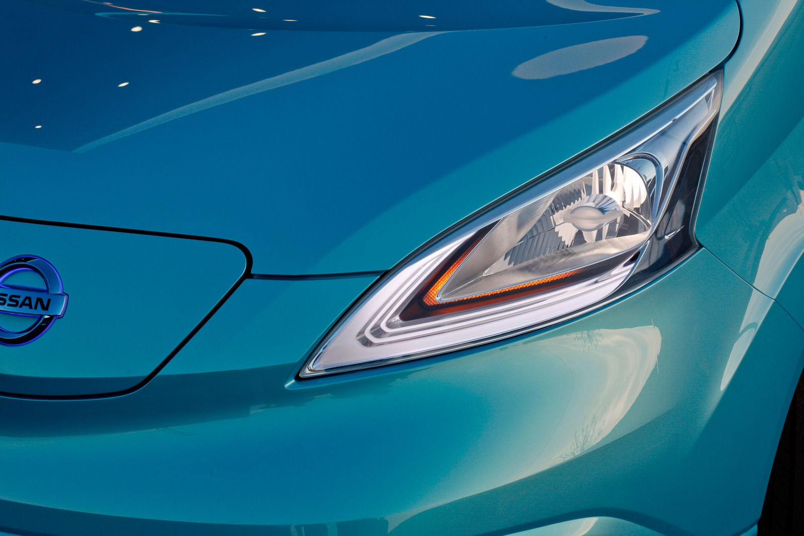 Nissan e nv200 electric van concept unveiled detroit for 80kw ac synchronous electric motor