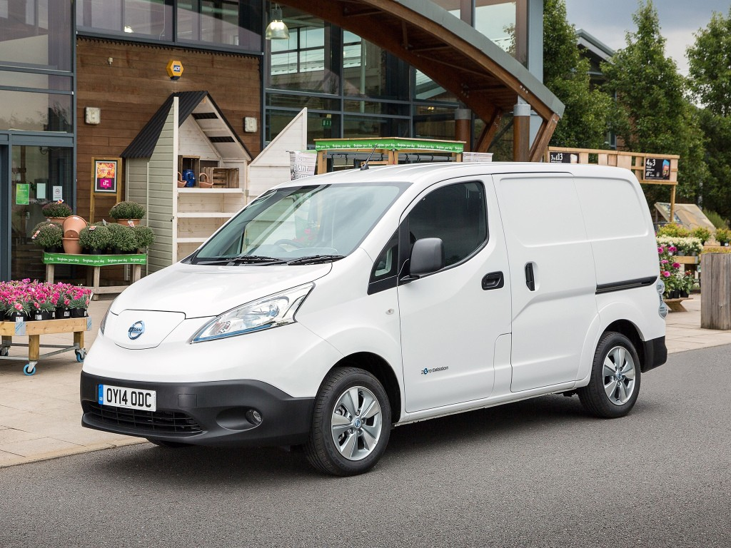 nissan e nv200 becomes best selling electric van in europe autoevolution. Black Bedroom Furniture Sets. Home Design Ideas