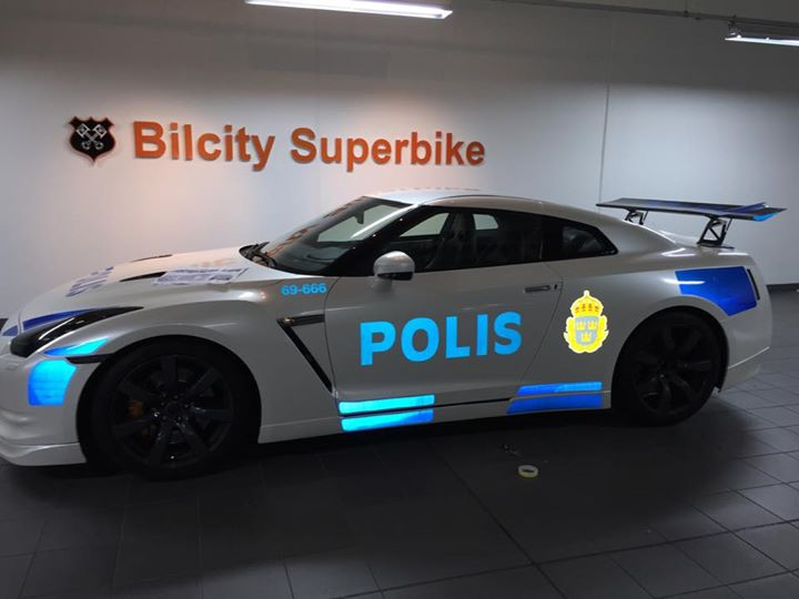 Police Led Lights >> Nissan GT-R Dressed Up as Police Car in Sweden - autoevolution