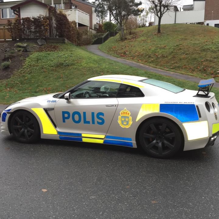 Nissan Maxima Nismo >> Nissan GT-R Dressed Up as Police Car in Sweden - autoevolution