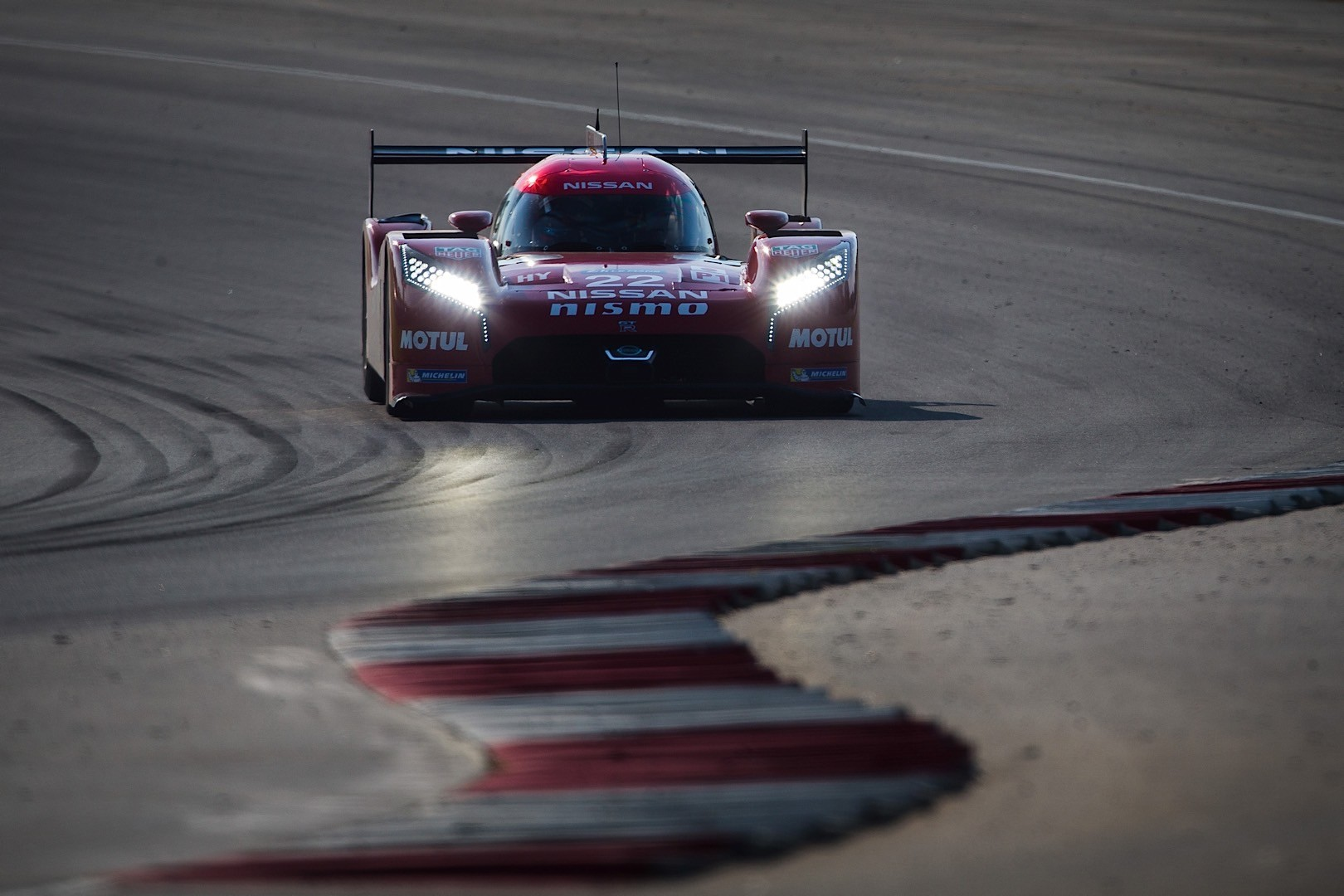 Nissan Gt R Lm Nismo Specs Fully Revealed Ahead Of 2015 Le Mans Race Gtr