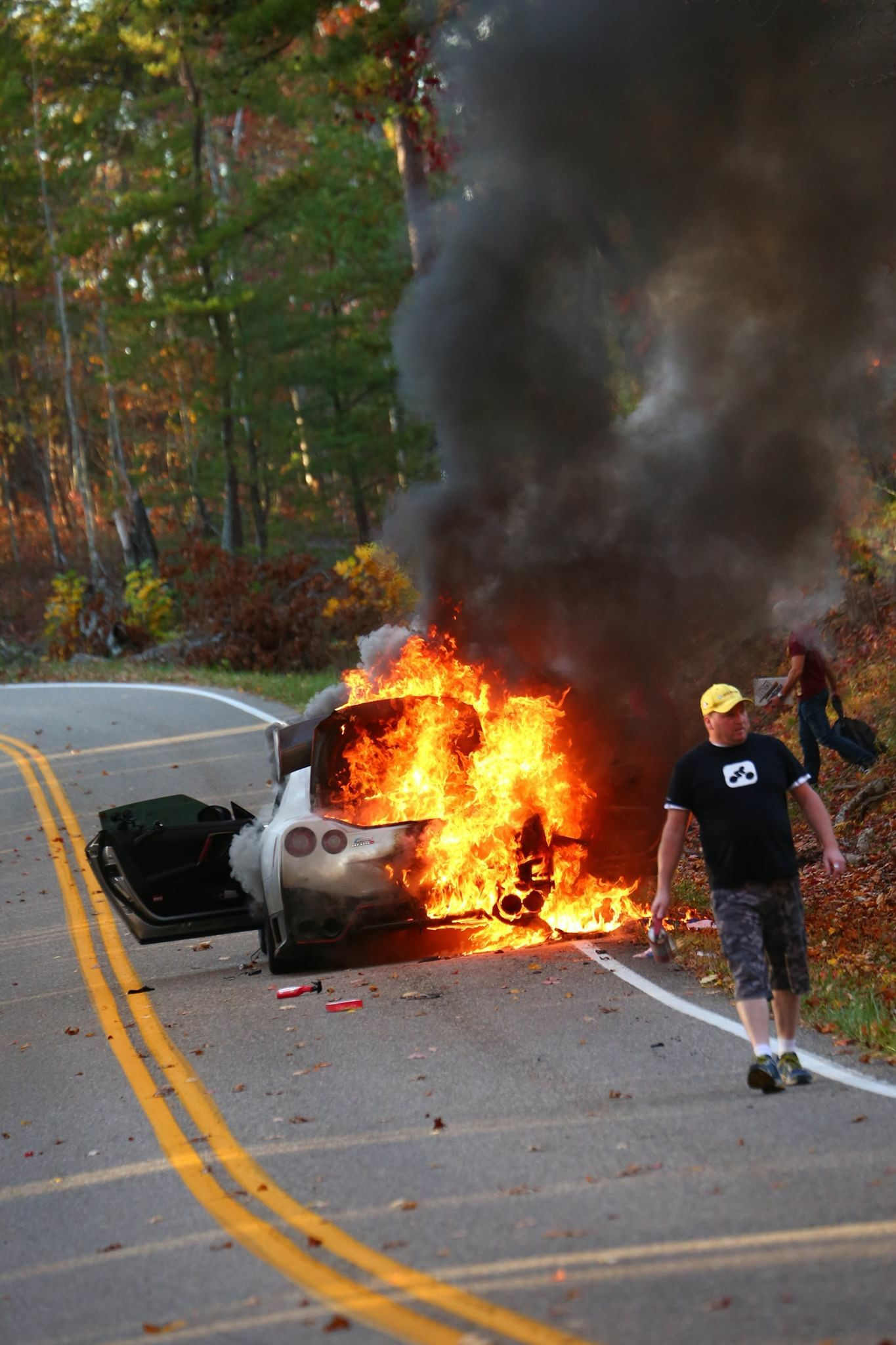 nissan gtr nismo burns down on tail of the dragon
