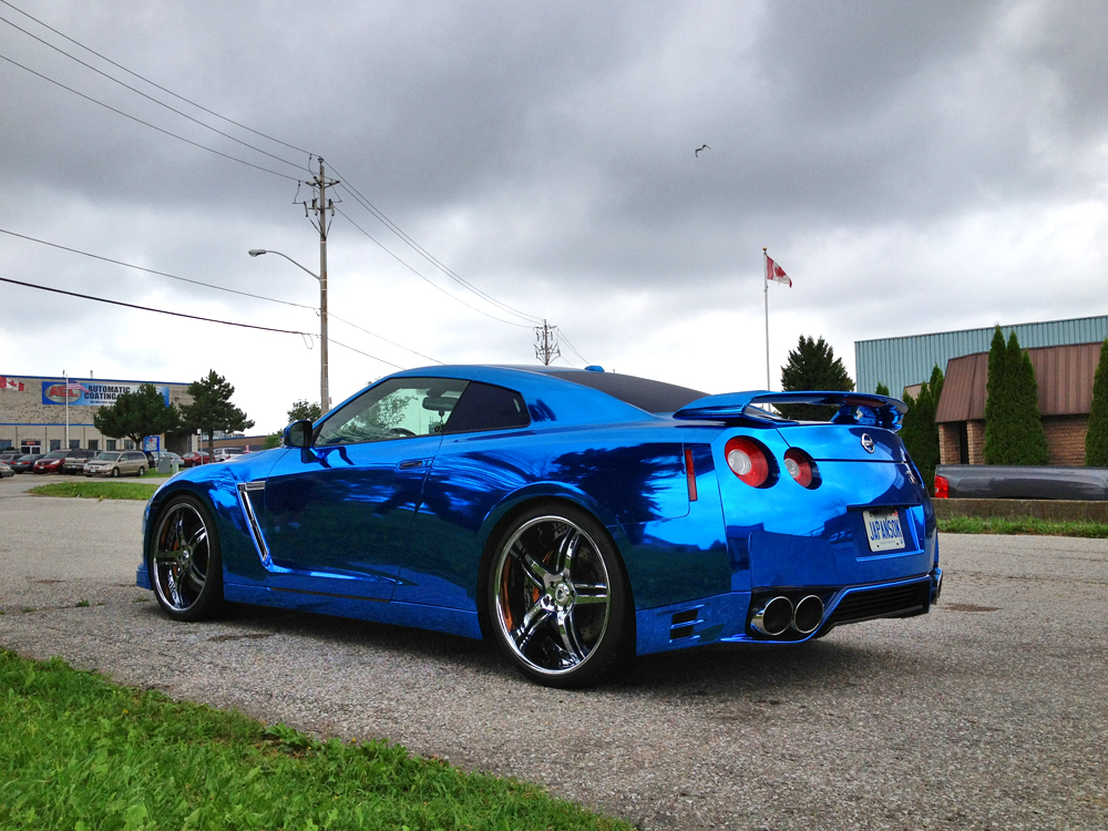 http://s1.cdn.autoevolution.com/images/news/gallery/nissan-gt-r-wrapped-in-blue-chrome-photo-gallery_10.jpg