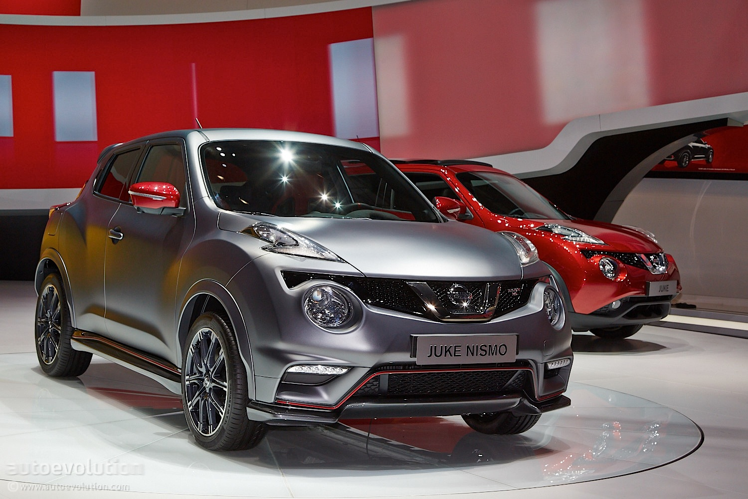 nissan juke nismo rs facelift debuts in geneva with 218 hp. Black Bedroom Furniture Sets. Home Design Ideas