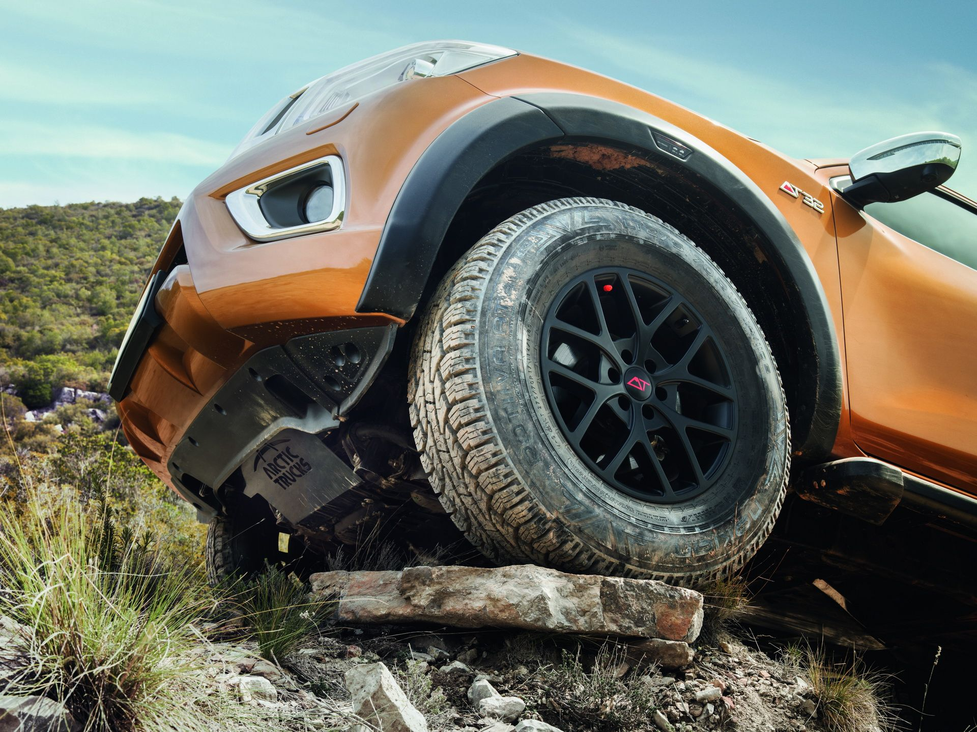 Nissan Navara Off-Roader AT32 by Arctic Trucks Boasts 32-inch Tires