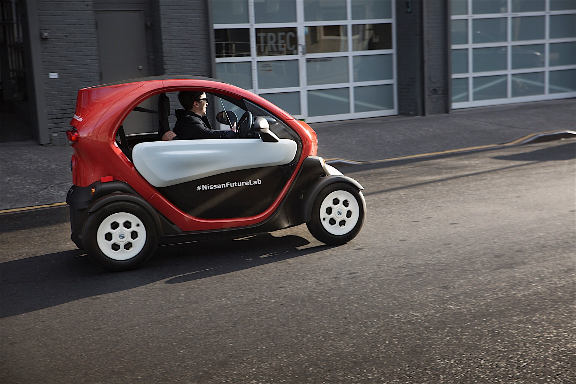 twizy registers hefty sales  but renault ze range still