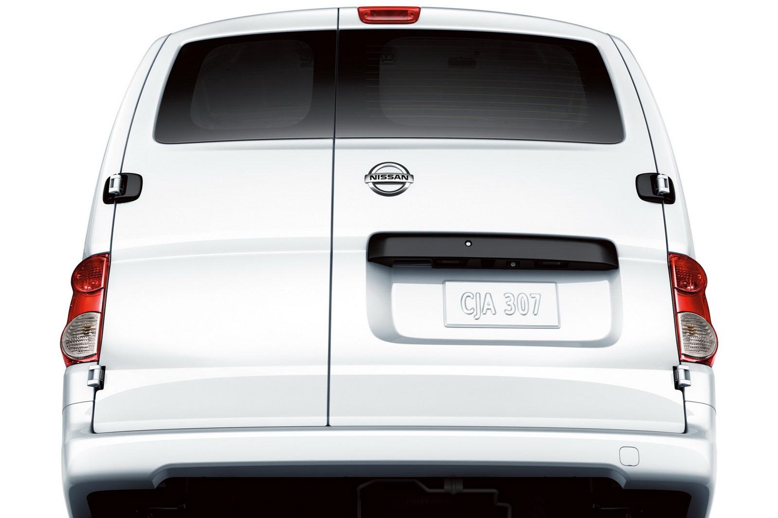Nissan Nv200 Compact Cargo Van Debuts In Chicago