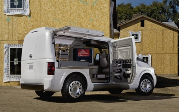 Nissan nv2500 concept debuts at the 2009 work truck show autoevolution - The mobile office working on two wheels ...