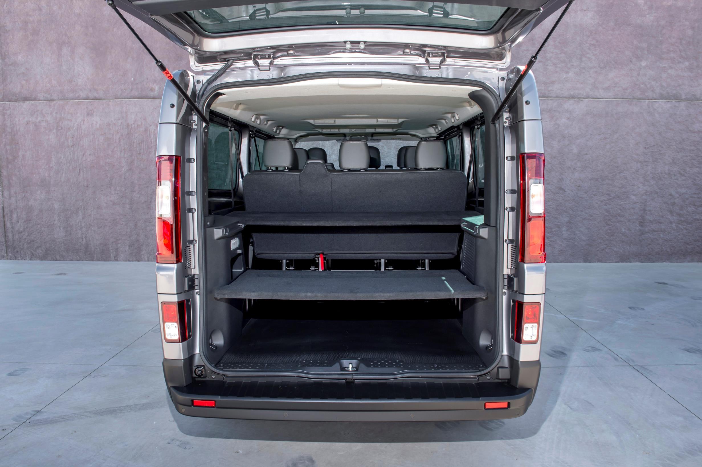 2017 Nissan NV300 Replaces Primastar Van - autoevolution