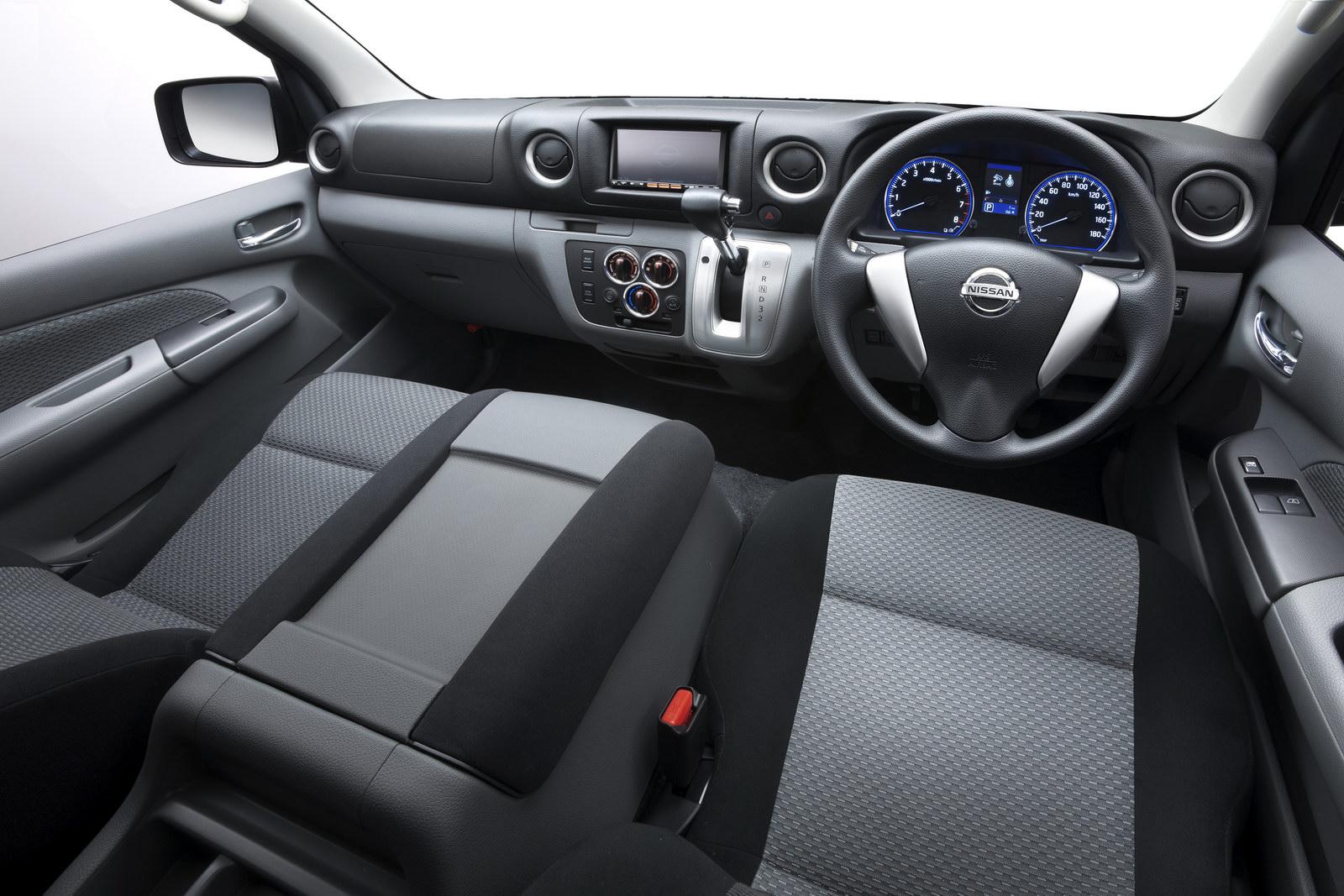 Nissan NV350 Van to Debut at 2011 Tokyo Show - autoevolution