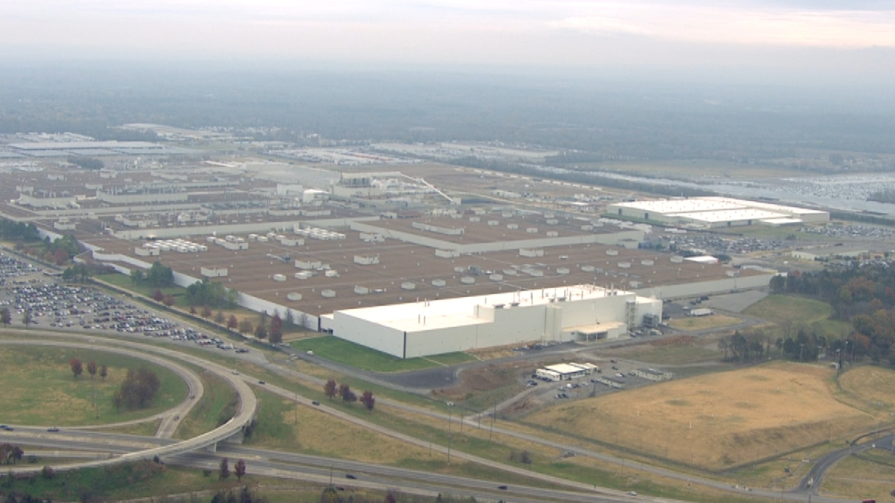 Nissan Plant Smyrna Tn >> Nissan Opens Efficient New Paint Plant In Tennessee