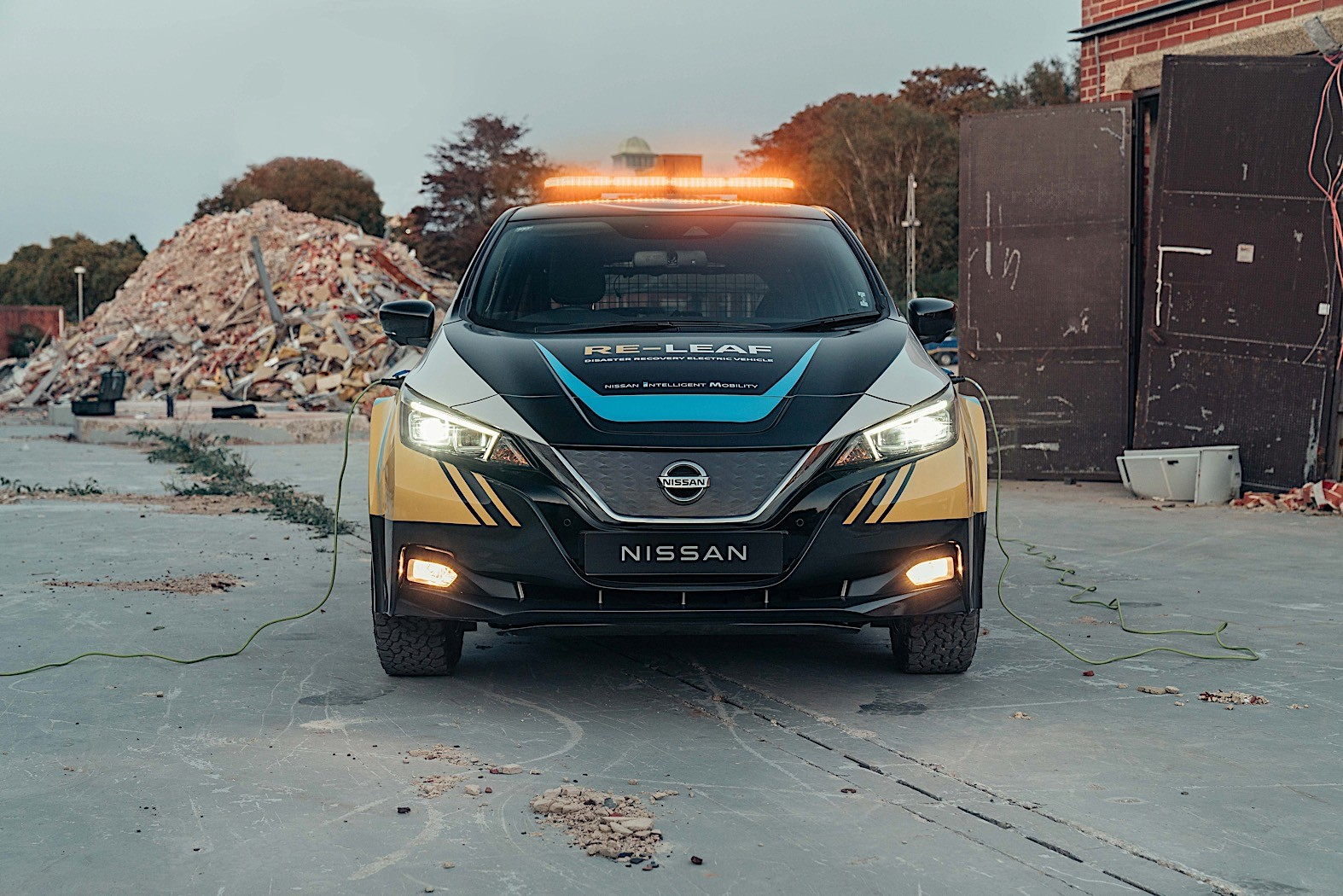 Nissan shows off Leaf-based emergency response vehicle